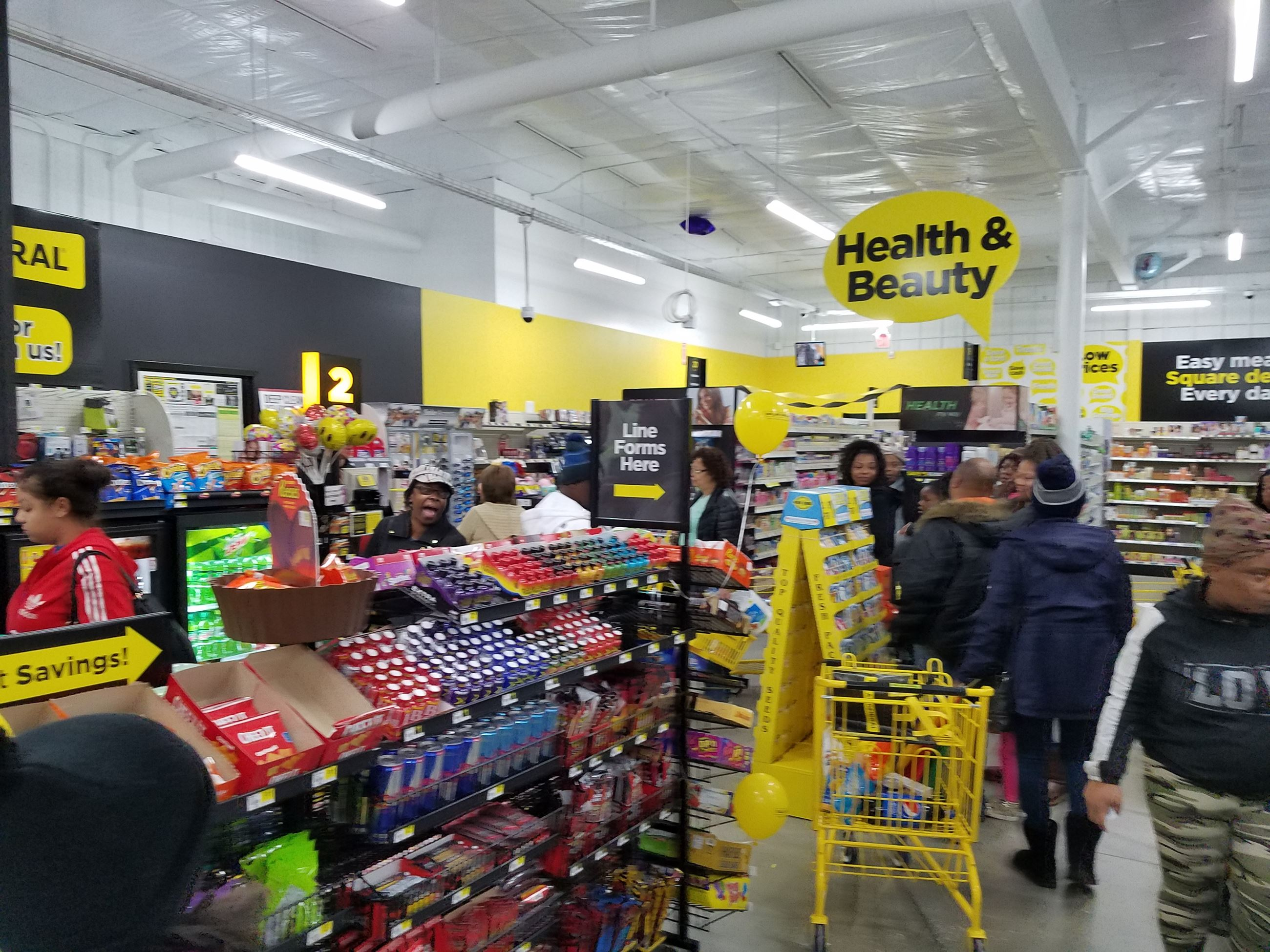 Dawn Dollar General Ribbon Cutting 6
